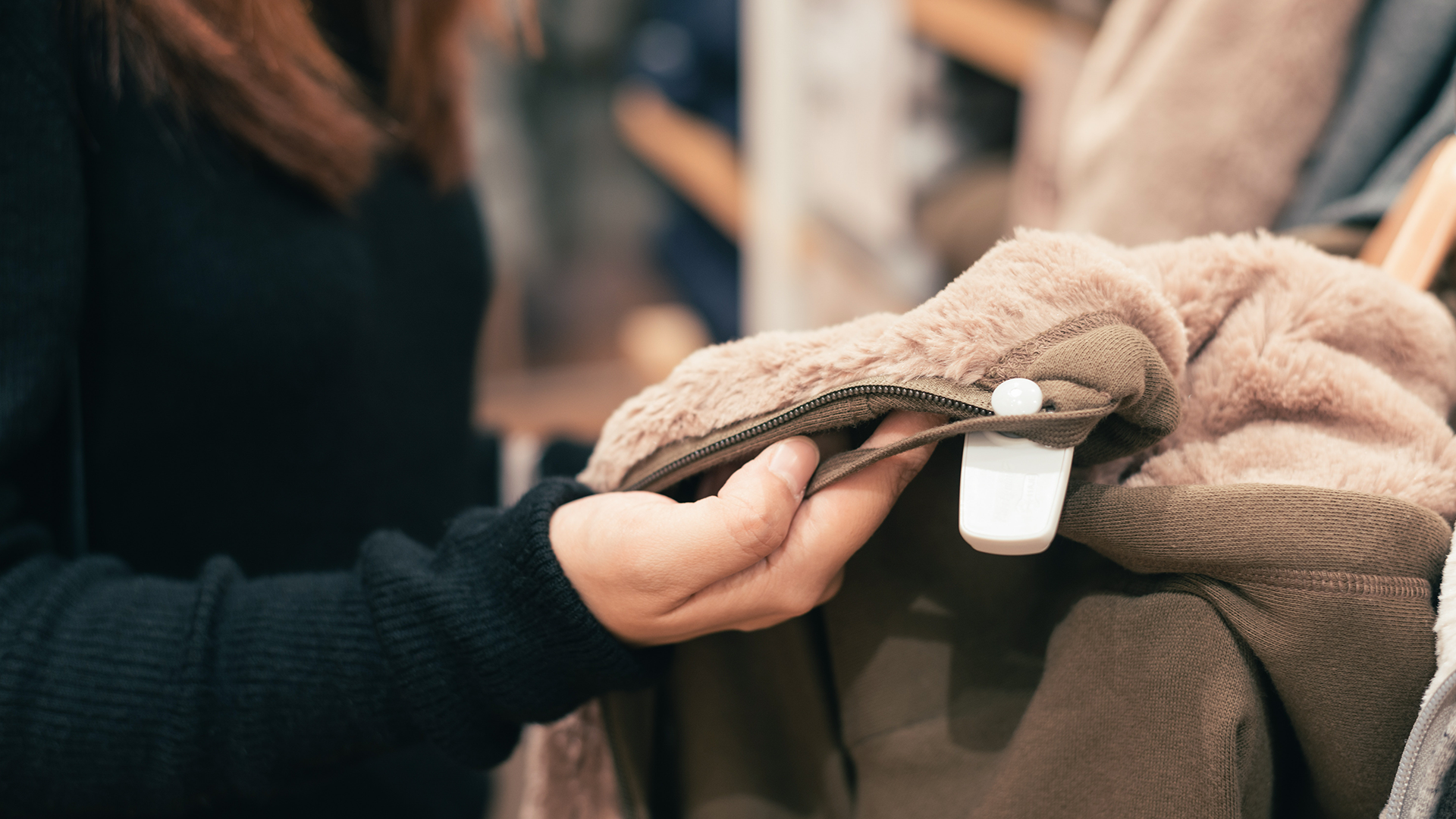 The Quadruple Value of Connected Customers
