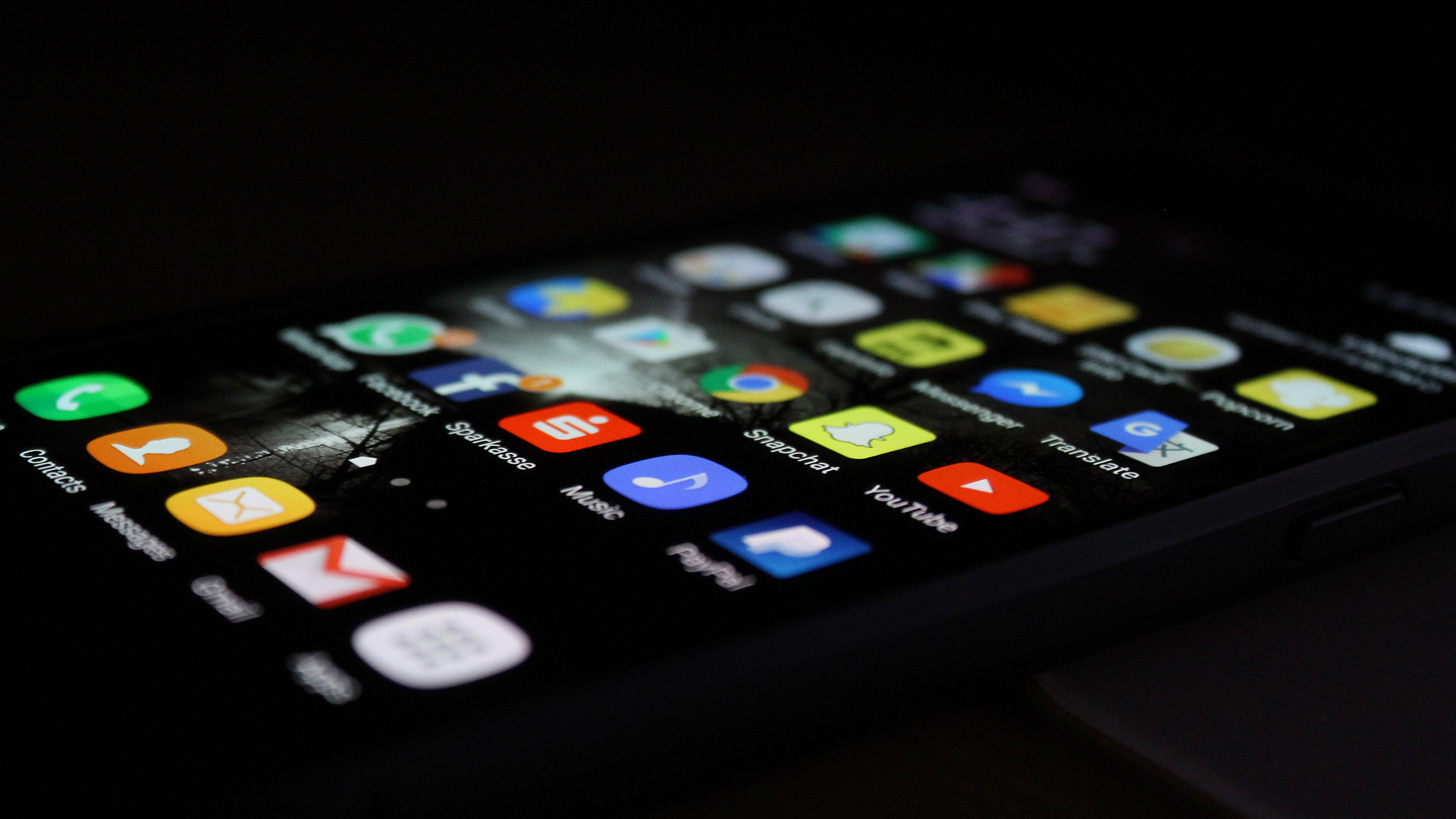 16 Crucial Things Companies Often Forget When Building Mobile Apps